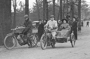 Motorräder in Toronto 1904
